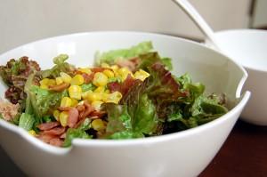 サニーレタスでボリューム満点サラダ