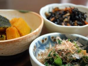 かぼちゃの煮物,ひじきの煮物,高菜の漬物